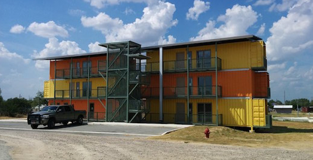 Complexo de apartamentos em container